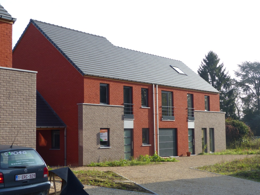 Ensemble de 11 habitations