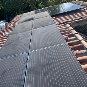 Installation de panneaux photovoltaïques SunPower en autoconsommation avec revente à Sénas(13560).