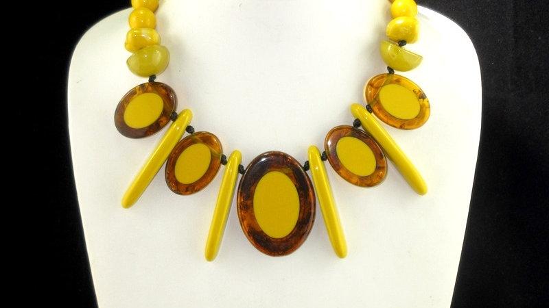 Yara Acrylic Necklace