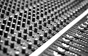 Audio%20Mixing%20Pult_edited.jpg