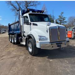 blue_silver_truck_closeup.jpg