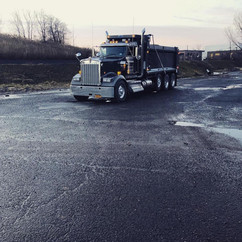 black_truck.jpg