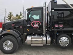 avg_black_truck_2.jpg