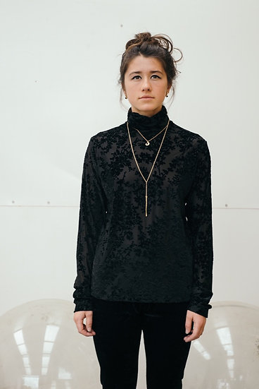 ROLL NECK IN BLACK LACE