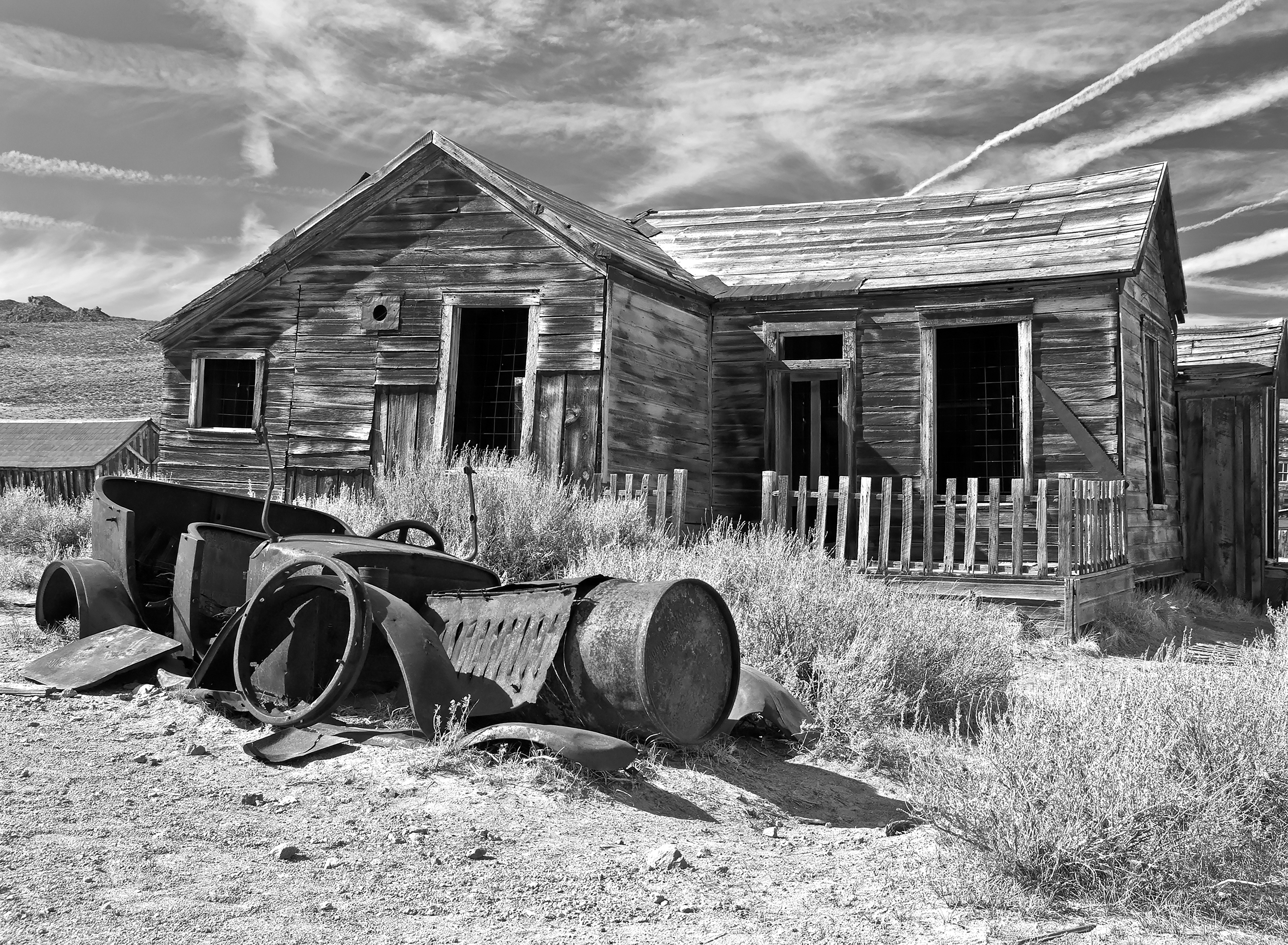 _LYP7004 BW Bodie Relics