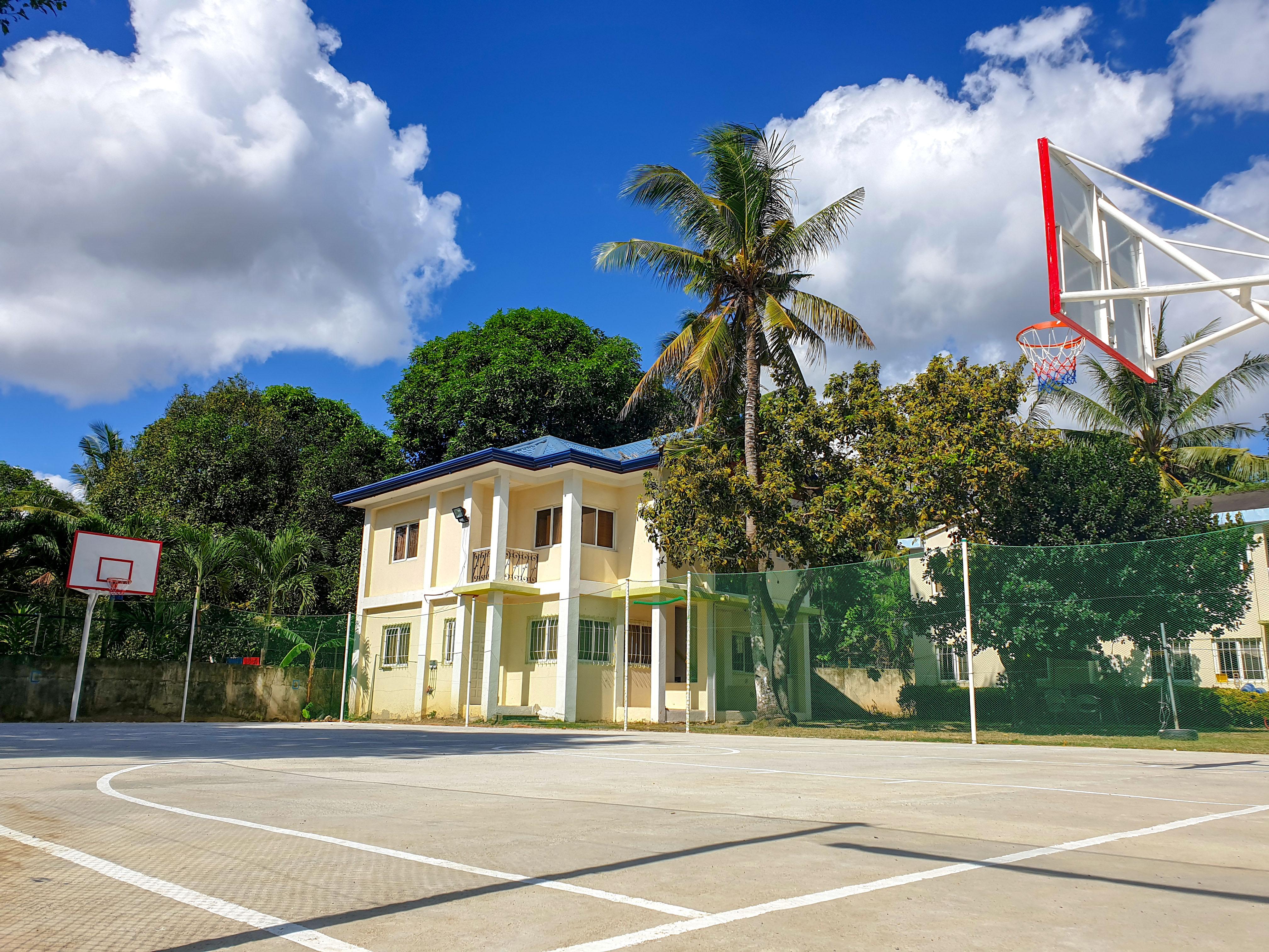 16.Basket ball court