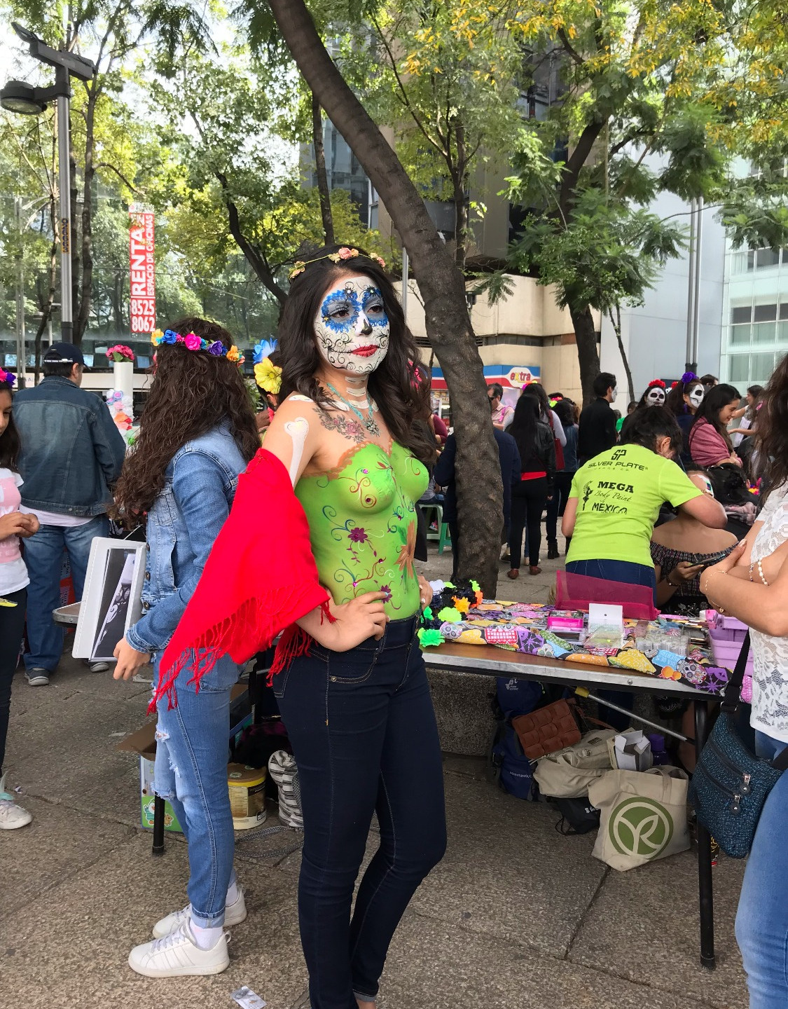 Woman with Catrina body paint.
