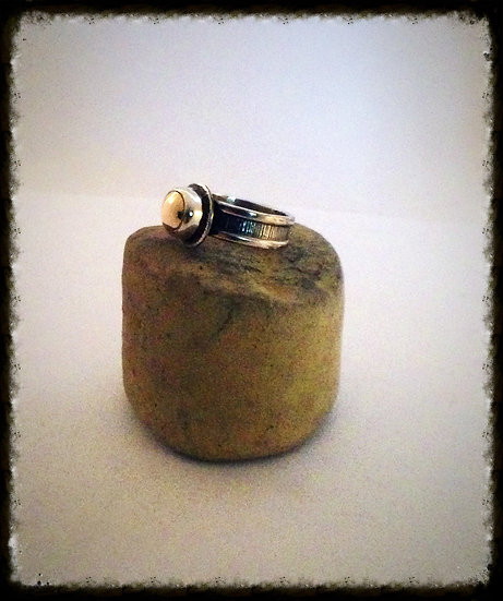 18kt Goldeneye Ring