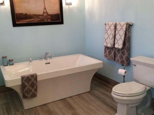 Bathroom 2 new.jpg