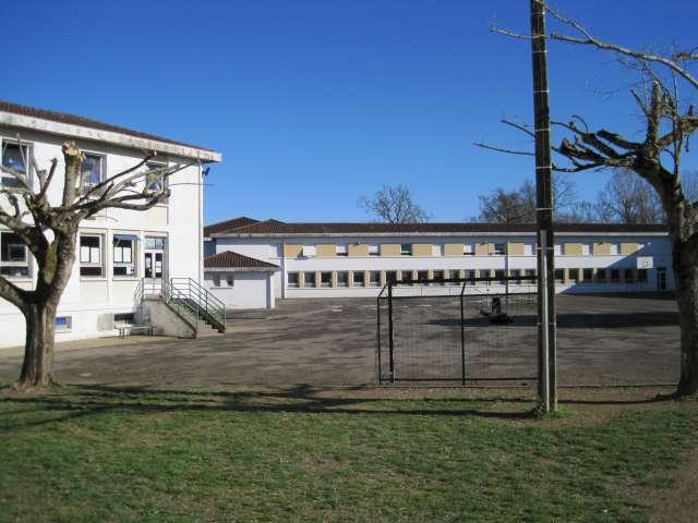 La cour du collège