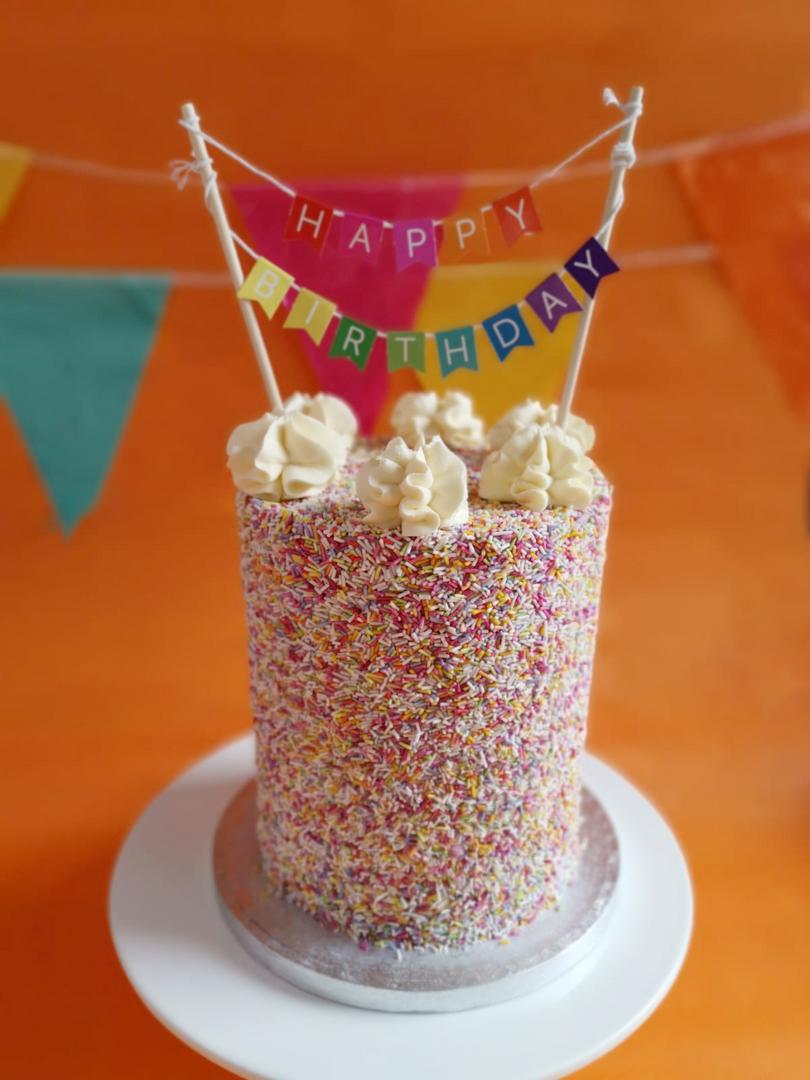 Sprinkle Cake.png