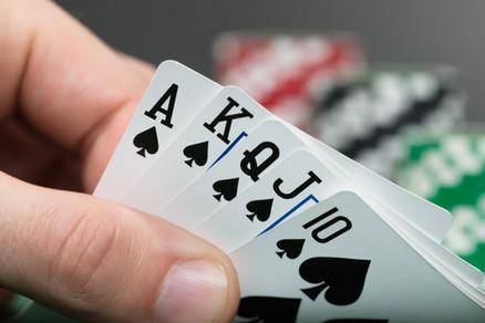 Vício em jogos: 'a questão é que o dependente nunca está satisfeito', explica psicóloga