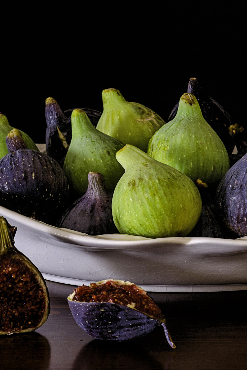 5 figs contain 75 mg of calcium