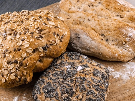 Does eating flaxseed prevent or raise cancer risk?