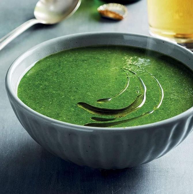 Sopa vegana de rúcula