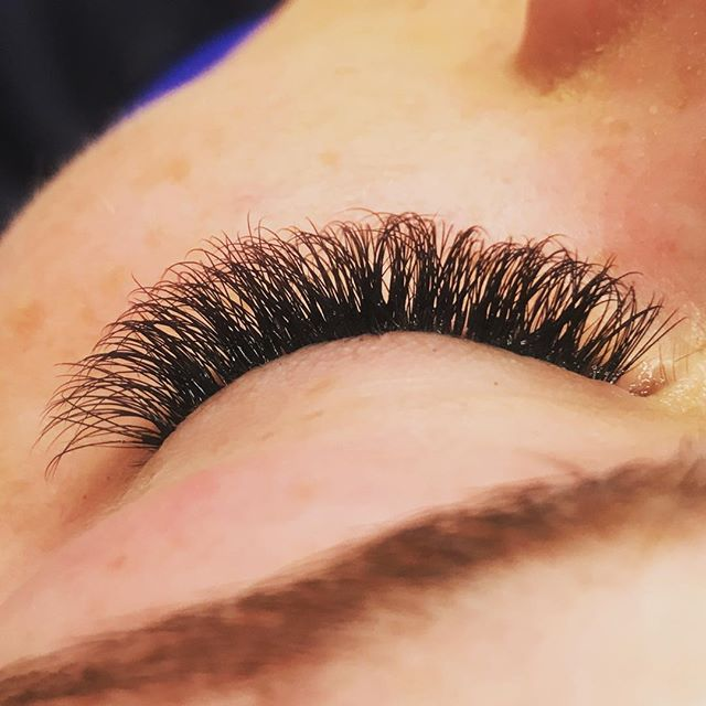 Lashes by Noleen _retro_beauty_salon _retro_beauty_noleen #semipermanenteyelashes #nouveaulashes