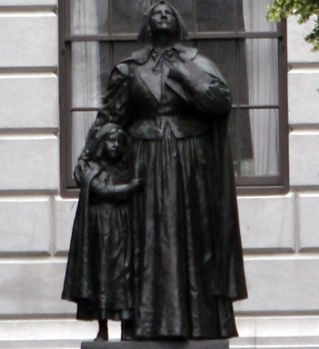 Anne_Hutchinson_statue.jpeg