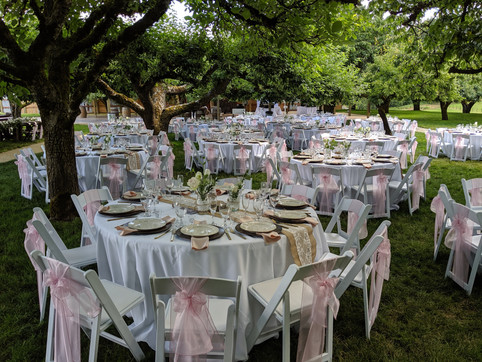 Full place settings at The Orchard at Su