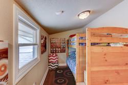 045_Bunk Beds