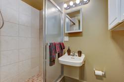 060_Workshop Guest Bathroom