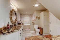 037_Master Bathroom