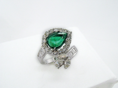 EmeraldandDiamo…18whitegold