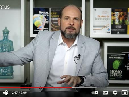 Gilberto de Souza explica a diferença entre educação corporativa e treinamento corporativo