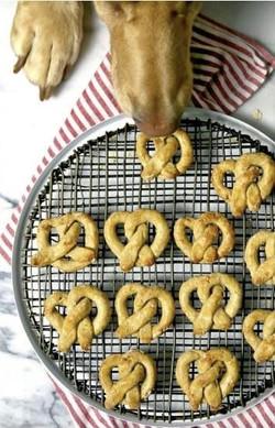 Oat and Apple Pretzel Dog Treats