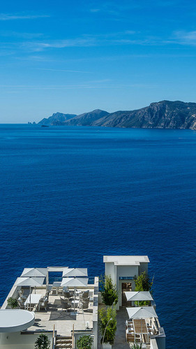 Viewing Casa Angelina like this reminds of the Greek islands, but we are definitely in Italy