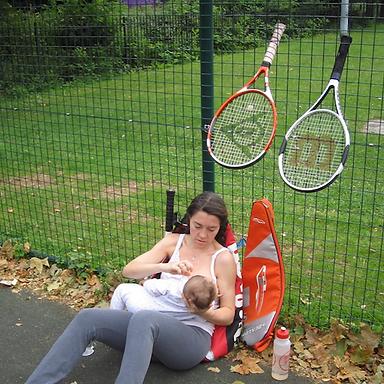 breastfeeding mums play