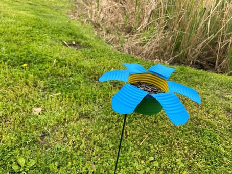 Upcycle A Can Into A Backyard Bird Feeder