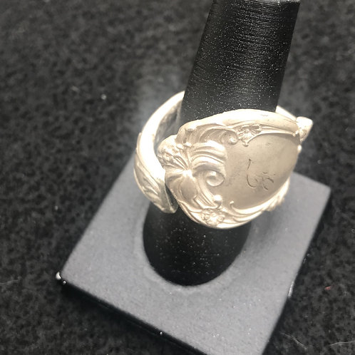 "Vintage""F"" thumb ring"