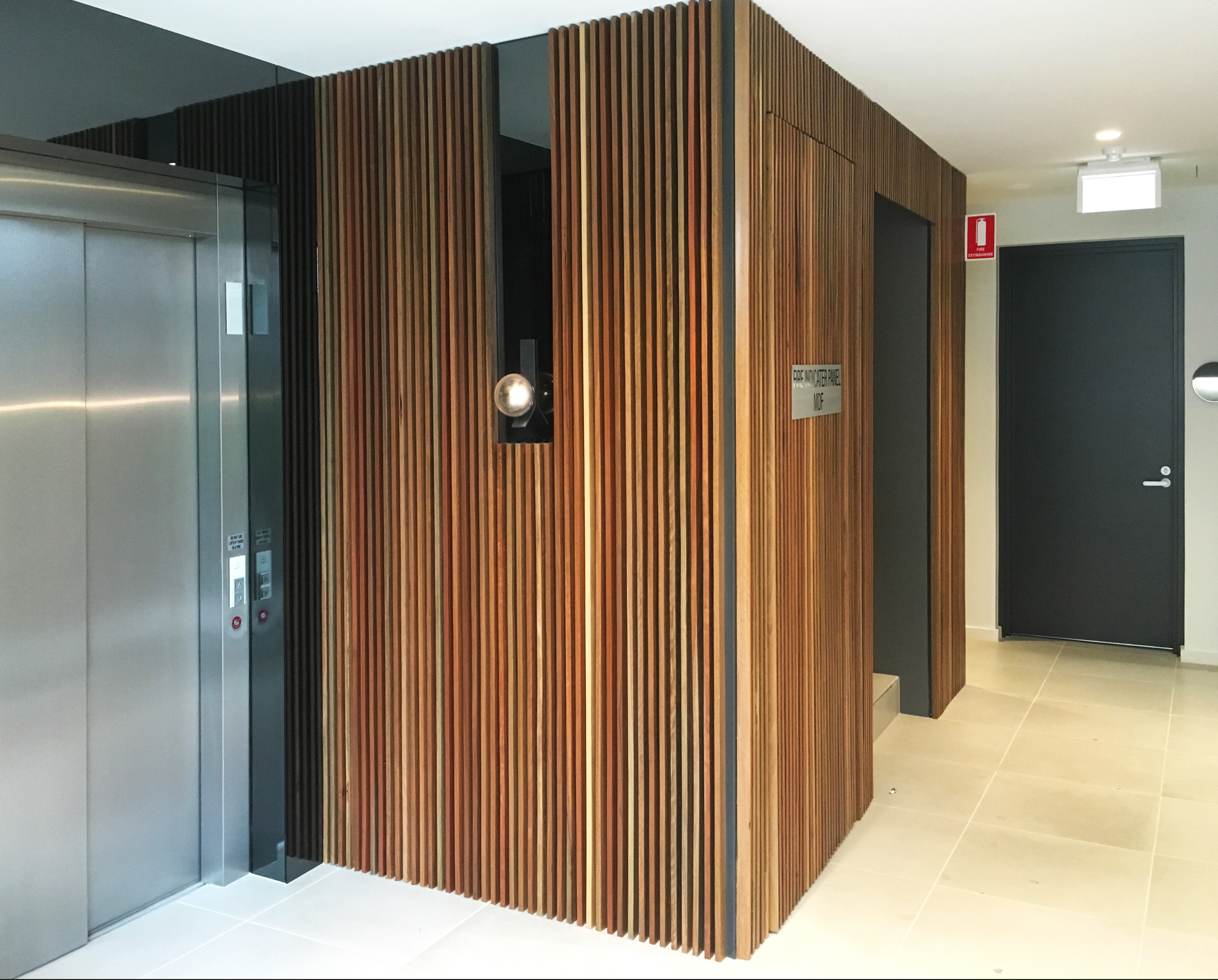 CAULFIELD APARTMENTS FOYER