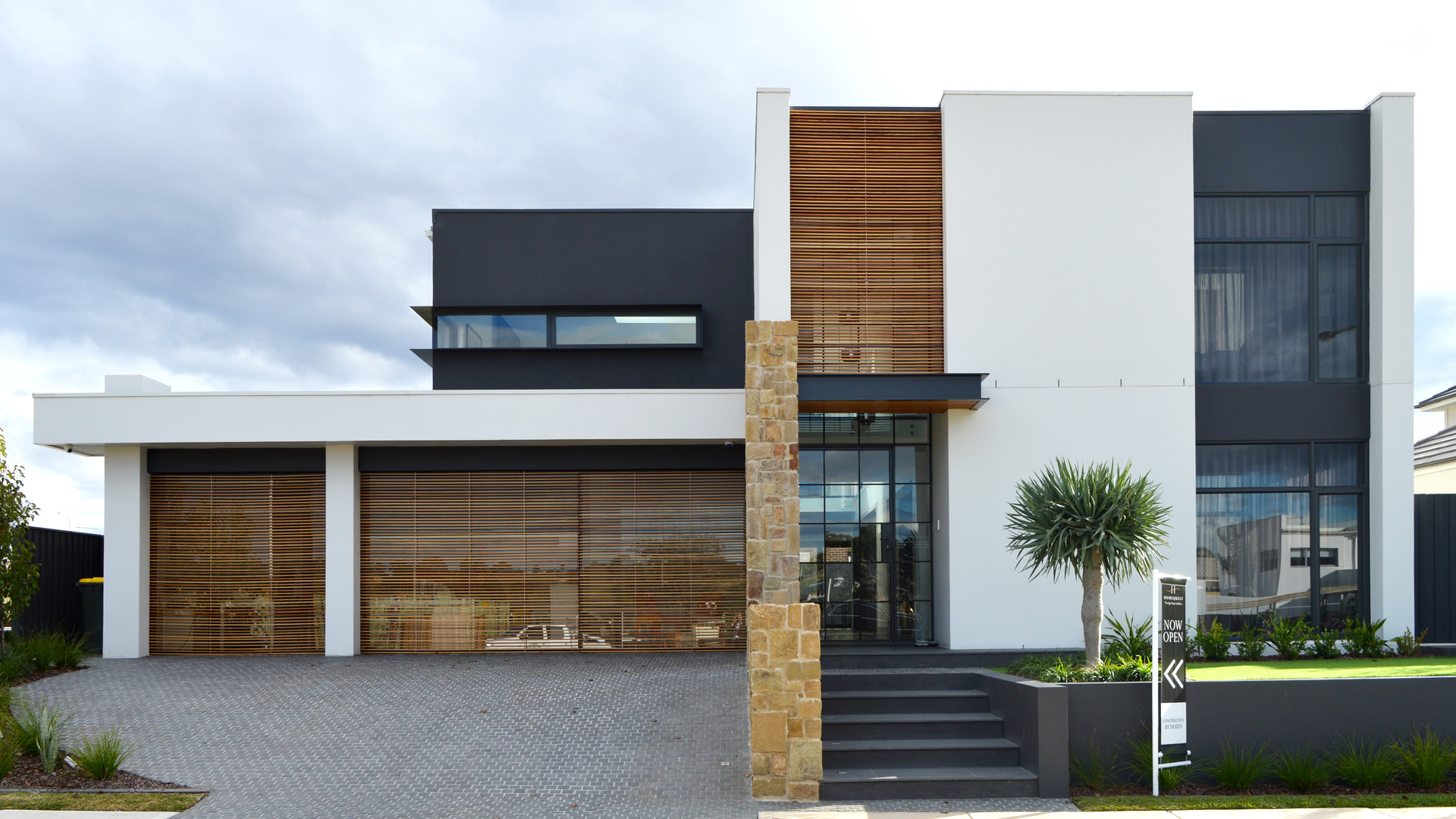 CONSTRUCTION BY DESIGN DISPLAY HOME