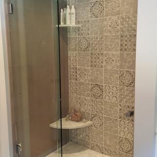 Essence slider at shower closed.jpg