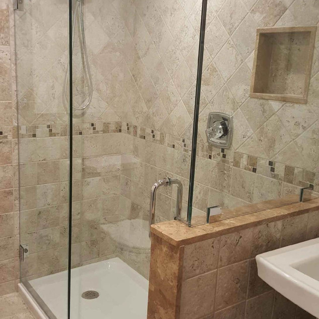 Essence shower with 90.JPG