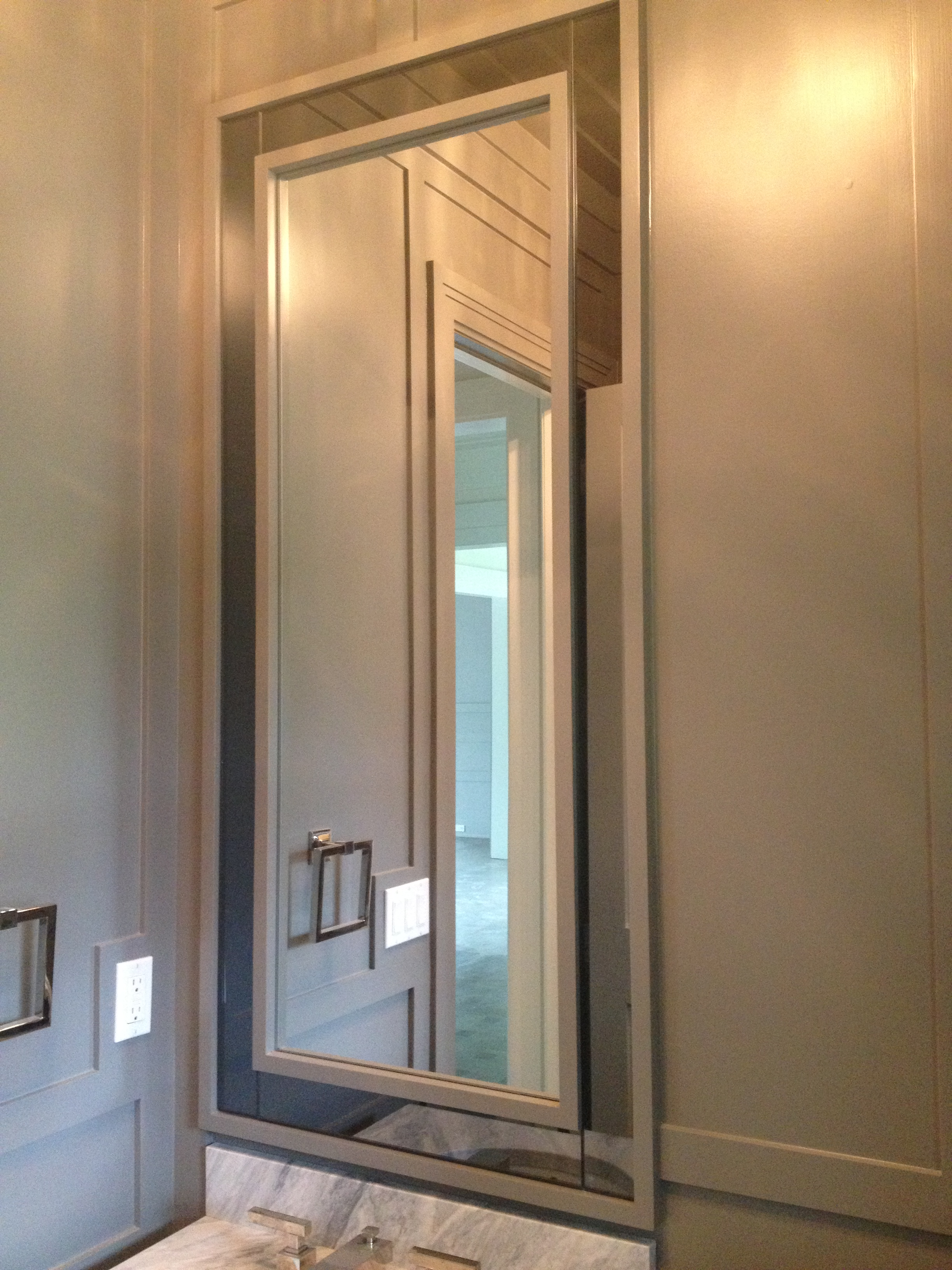 Mirror with grey mirror trim