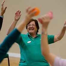 volunteering-age-uk-seated-exercise-0294