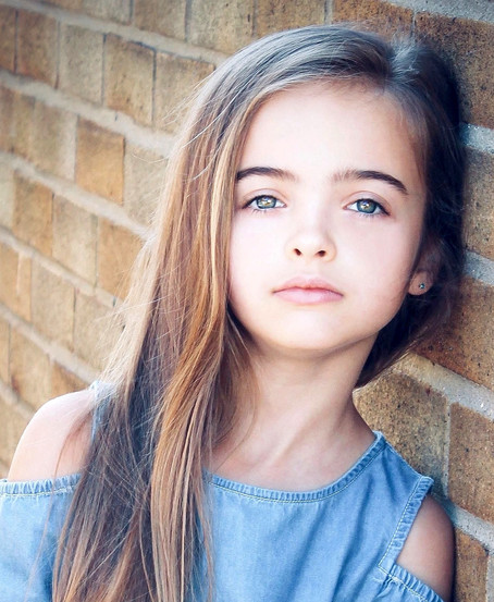 Voice Over Casting for Lyra