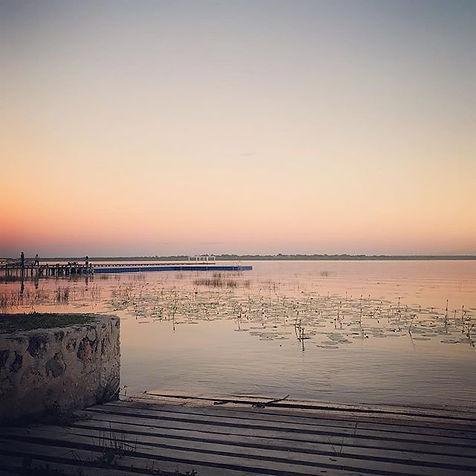 Laguna rosa, dorado atardecer._._._._.jp