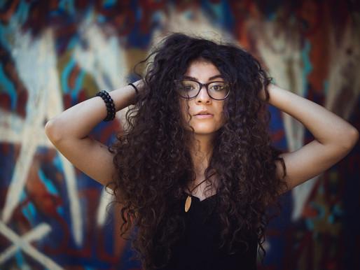Eжедневни стъпки за здрава къдрава коса