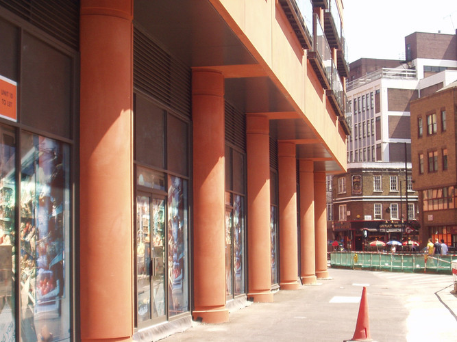 west-end-quay-columns.jpg