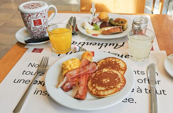 Pancakes-oeufs-lard horizontales.jpg