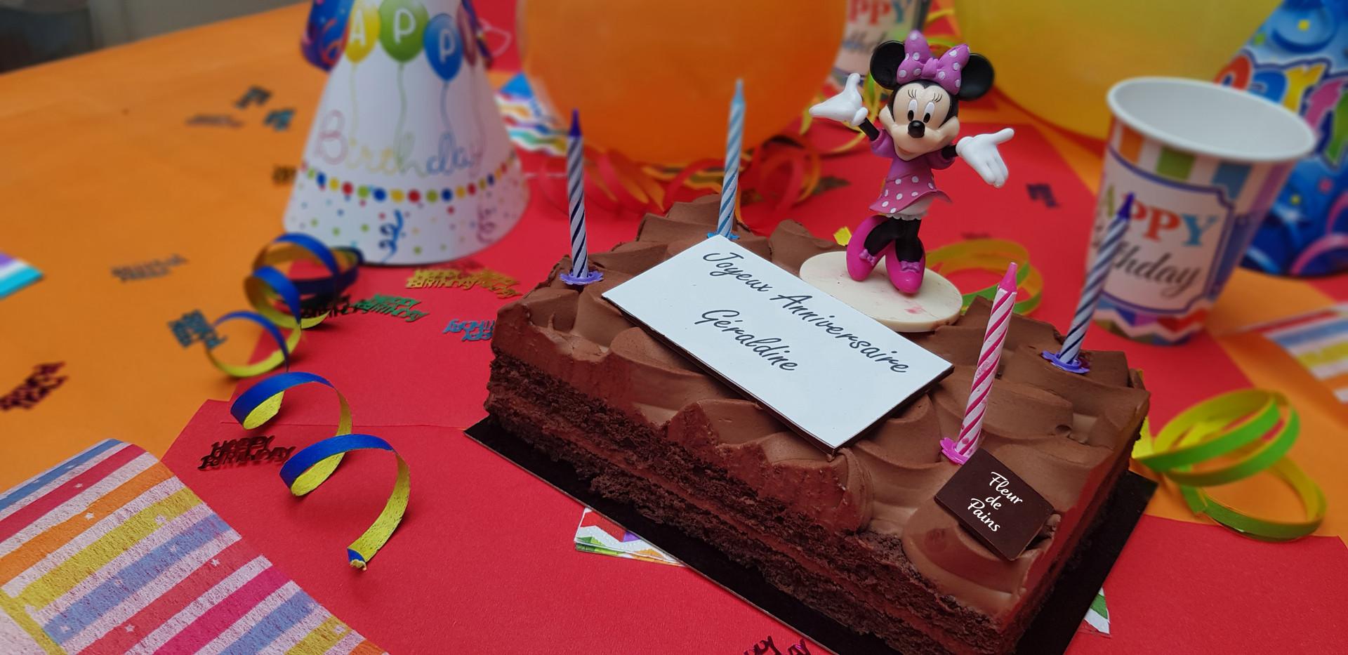 Gâteau personnalisé Fleur de Pains Minnie Mouse
