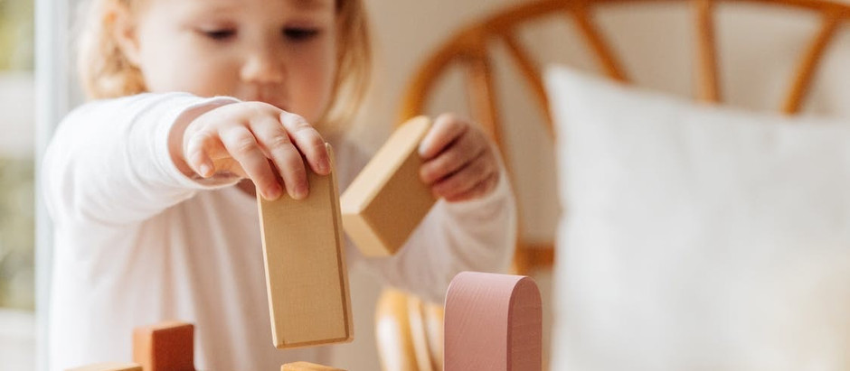 How to choose safe window treatments for kids' rooms