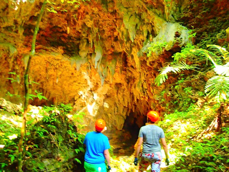 西表島で鍾乳洞探検
