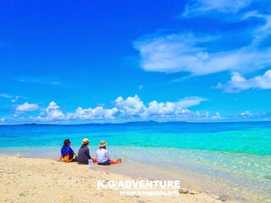 西表島ケンガイドがおすすめする石垣・西表島旅行で人気のアクティビティツアー体験、アドベンチャーボートで行く南国の楽園パナリ島シュノーケルツアーでエメラルドブルーの海で遊ぼう!