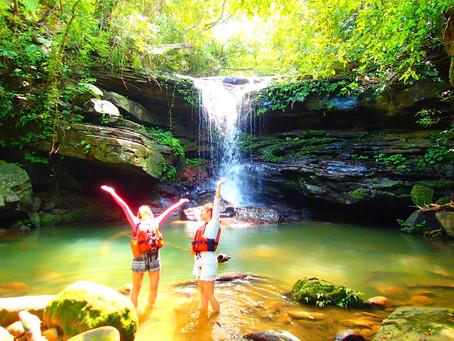 秘境の滝でエナジーチャージ・西表島