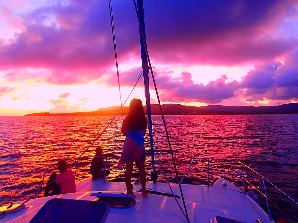 西表ヨットツアー・石垣島旅行で人気の遊び西表おすすめヨットクルーズ・西表島ケンガイドおすすめサンセットクルーズで女子旅行・家族旅行・学生旅行アクティビティ体験、サンセットヨットクルーズで至福の時間を〜本物の島旅アウトドア体験を。