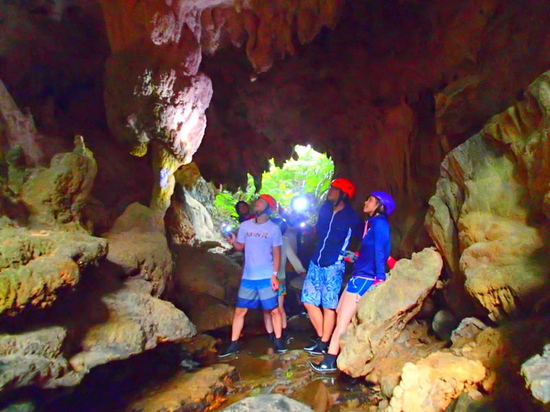 2016夏休み旅行は人気の格安ツアー石垣島・西表島で遊ぼう!西表島ツアーランキング人気のケンガイドがおすすめする人気の観光スポット・アクティビティツアーをご紹介。川平湾や竹富島を観光した後は、サマーキャンペーンで由布島観光、女子旅応援!家族割引などお得な割引プランも実施中!カヌー・SUP・アドベンチャーボートでパナリ島シュノーケル・星砂の浜シュノーケリングなど八重山旅行を格安ツアーで遊びつくそう!